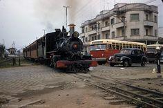 Esquina da av. Cruzeiro do Sul com a av. Ataliba Leonel em 1957?  http://www.saopauloantiga.com.br/avenida-cruzeiro-do-sul-1957-2016/