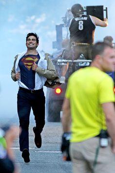 Tyler Hoechlin filming on set of Supergirl, 29th July 2016
