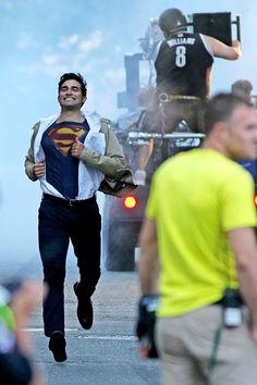 Tyler Hoechlin filming on set of Supergirl, 29th July 2016