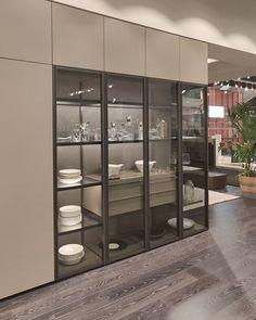 designermobel von livarea on instagram livitalia design glasvitrine mit beleuchtung imm2019 immcologne interiordesign mobel vitrine glasvitrine