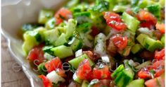 Les saveurs du soleil: Salade de concombre et tomate 200 Calories, Barbecue, Entrees, Potato Salad, Salsa, The Cure, Food And Drink, Lunch, Vegan