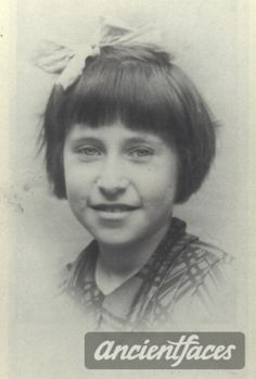 Marcelle Bonderman Nationality : French Jewish  Residence : Paris, France  Death : August 28, 1942  Cause : Died in Auschwitz ( buried in Auschwitz death camp )  Age : 10 years