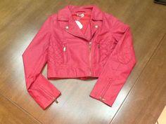 pink leather jacket. www.gosteieagora.com