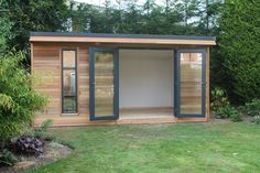 Crusoe Garden Rooms create affordable and stylish hand crafted cedar clad wooden garden rooms, garden offices and bespoke garden buildings Backyard Office, Backyard Sheds, Garden Office, Backyard House, Backyard Gazebo, Deck With Pergola, Patio Roof, Pergola Plans, Diy Pergola