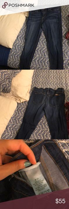 Joe's jeans Lightly worn. Not fading, no rips, and in good condition! The only downside is that the dye in them is very dark and I'm sure if they were washed in warm water, they would bleed. I've only washed them on cold. I've barely worn them they are too big on me. Joe's Jeans Jeans Skinny