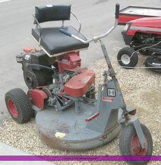7624.JPG - Heckendorn three wheel riding lawn mower, 10 hp four cycle ...