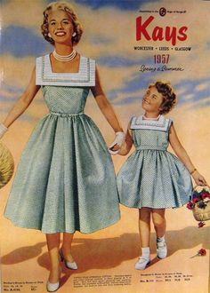 Vintage Dressing Mommy and Me - Matching mother daughter dresses – Dressing Vintage - What ended our love affair with Mommy and Me outfits? Is there a deeper reason behind the absence of matching mother daughter dresses? Mother Daughter Dresses Matching, Mother Daughter Fashion, Mother Daughters, Daddy Daughter, Mother Son, Mad Men Fashion, 1950s Fashion, Vintage Fashion, Vintage Outfits