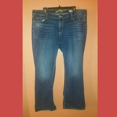 Arizona bootcut jeans Low rise, size 19 juniors short length, fit like an 18S Arizona Jean Company Jeans Boot Cut