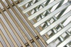 Tribar's triangular steel products have a distinctive character and offer a 'soft touch' in comparison with other metal mesh and grid products. Materia MET257-16