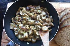 Prawdziwki z ziołami prowansalskimi Stuffed Mushrooms, Vegetables, Food, Stuff Mushrooms, Essen, Vegetable Recipes, Meals, Yemek, Veggies