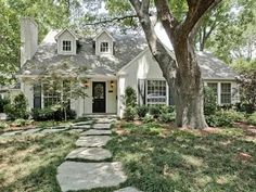 a charming little cottage home! Love the stone walk-up. Lilac Lane, Bluffview, Dallas)Such a charming little cottage home! Love the stone walk-up. Cottage Style Decor, Cottage Style Homes, Cottage House Plans, Small Cottage Homes, Cottage House Exteriors, Southern Cottage Homes, Country Decor, English Cottage Style, English Cottages