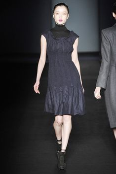 See the complete Alberta Ferretti Fall 2009 Ready-to-Wear collection.