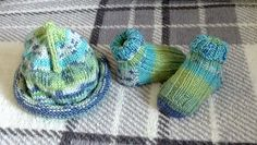 Ravelry: Kellydoolan's Baby ted hat and socks