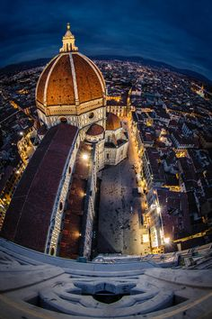 Il Duomo of Florence, The Cathedral of Santa Maria del Fiore in Florence, Italy. The cathedral stands tall over the city with its magnificent Renaissance dome designed by Filippo Brunelleschi.  Photo by Cosimo Malesci