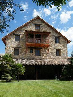 Casa Rural Tierras de Moya, Los Huertos, Cuenca.   http://www.toprural.com/Casa-rural-habitaciones/Tierras-de-Moya_23930_f.html