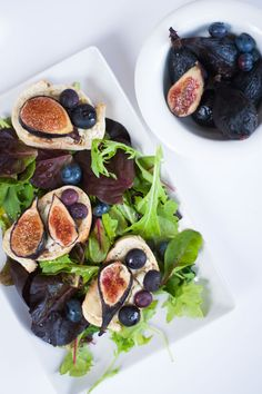 Green Salad with Fig and Goat Cheese Crostini