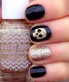 Black & Gold Skull Mani