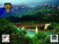 INFORMACIÓN BARRANCAS DEL COBRE te dice. visita las barrancas del cobre y viaja en el tren. Desde 1961, el Chepe (como se le conoce comúnmente a este tren tan singular), se interna entre los majestuosos paisajes de la Sierra Tarahumara. Zona donde se conjugan los rasgos más importantes de la historia y el folklore de la cultura Tarahumara, las Barrancas del Cobre, o Copper Canyon, como es conocido internacionalmente. www.chihuahua.gob.mx/turismoweb