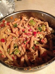 Healthy Pasta Salad---made this last night and it is delish! Healthy Food Options, Healthy Sides, Healthy Recipes, Simple Recipes, Healthy Foods, Yummy Recipes, Healthy Pasta Salad, Healthy Pastas, How To Make Salad