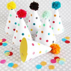Paper Party Hats: Polka Dots {shop sweet lulu} would love to see my party guests wearing these lol Polka Dot Birthday, Polka Dot Party, Polka Dots, 10th Birthday Parties, 2nd Birthday, Birthday Ideas, Happy Birthday, Theme Carnaval, Sprinkle Party