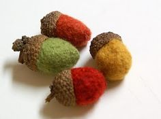felted acorn tutorial.   doubt I make them...but really wish someone would give me a big bowl full!   : )