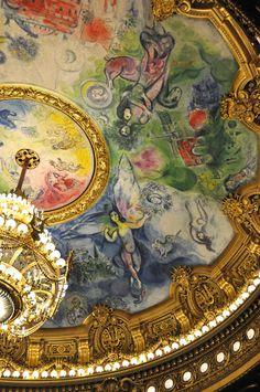 Le plafond de l'Opéra de Paris, composition du peintre Marc Chagall en 1963 recouvre une oeuvre de Lenepveu.