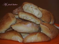 my pink butter: Τα πιο τέλεια τυροπιτάκια Hot Dog Buns, Hot Dogs, Recipies, Bread, Yummy Yummy, Tarts, Food, Recipes, Mince Pies