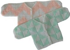 Modulstrikket babytrøje. Kan varieres på et utal af måder, både som cardigan og sweater. Der er ingen anvisninger på brug af specifikt garn eller præcis pindestørrelse.