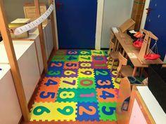 Leuk idee voor een rekenhoek Primary School, Pre School, Number Games, Kindergarten Math, Kids Rugs, Fun, Room, Ideas, Fin Fun