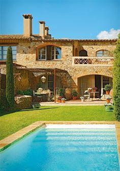 Gorgeous rustic vacation retreat in Spain – Rustic House Spanish Villas, Mediterranean Homes, Mediterranean Architecture, Stone Houses, Spanish Style, Rustic Interiors, My Dream Home, Dream Big, Exterior Design