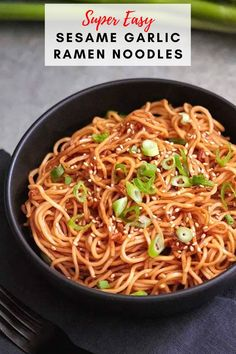 These noodles are incredibly tasty, with the perfect amount of spice coming from Sriracha sauce. Top them with a sprinkle of sesame seeds and fresh sliced green onion. This spicy ramen noodle recipe only takes 10 minutes to make so you have no excuse, get into the kitchen and make these ramen noodles right now! Quick Healthy Meals, Healthy Comfort Food, Easy Meals, Spicy Ramen Noodles, Ramen Noodle Recipes, Asian Recipes, Yummy Recipes, Fall Recipes, Ramen Noodles Ingredients