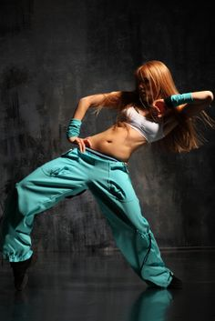 Oh my nice move...love the #Zumba #outfit. See more at http://pinterest.com/zumbadvd/zumba-clothing/