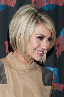 Chelsea Kane with her hair cut into a right past the jaw line bob. Featuring blunt ends and soft layers around the face. Bob Hairstyles 2018, Choppy Bob Hairstyles, Short Hairstyles For Women, Pretty Hairstyles, Bob Haircuts, Hairstyle Ideas, Line Bob Haircut, Haircut Layers, Medium Hair Styles