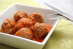 Albóndigas con tomate, todo un clásico - Kaput Tutorial and Ideas Sauce Tomate, Food To Make, Yummy Food, Yummy Recipes, Cooking, Ethnic Recipes, Gastronomia, Tomato Sauce, Beef