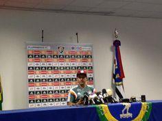 O novo técnico do Flu, Eduardo Baptista, é apresentado na Urca. @FluminenseFC @OGlobo_Esportes