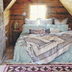 Anthropologie Enmore Embroidered Duvet - AnthroFave - Home Decor Idea Dream Rooms, Dream Bedroom, Home Bedroom, Bedroom Decor, Bedroom Beach, Bedroom Ideas, Attic Bedroom Small, Bedroom Nook, Bedding Decor