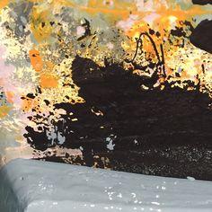 Un Tour Chez Nous - Le magazine #design #décoration #peinture #jaune #carioca #noir #bleu #canard #gris