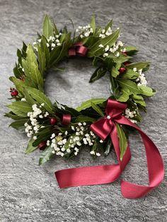 Laurel Wreath, Graduation Day, Love Cake, Garden Ideas, Christmas Wreaths, Floral Wreath, Craft Ideas, Holiday Decor, Flowers