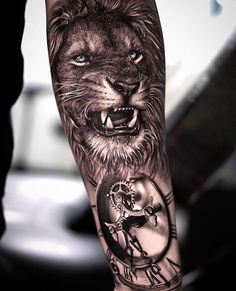 Search inspiration for a Realistic tattoo. Top Tattoos, Girl Tattoos, Tattoos For Guys, Tatoos, Tatoo Styles, Beautiful Lion, Realism Tattoo, Lion Tattoo, Animal Tattoos