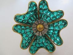 VTG-CROWN-TRIFARI-INVISIBLE-SET-AQUA-SQUARE-RHINESTONE-FUR-CLIP-890 Vintage Costume Jewelry, Vintage Costumes, Brooch Pin, Jewelry Art, Brooches, Aqua, Designers, Posters, Crown