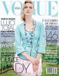 La top Angela Lindvall usando un diseño de Chanel, celebra la sensualidad femenina en tonos pastel y un look lady. Ella es la portada de nuestro número de marzo.