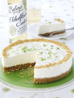 How To Make An Elderflower And Lime Cheesecake. I love all cakes and especially cheesecake. Today I am sharing an elderflower and lime cheesecake recipe Lime Cheesecake, Cheesecake Recipes, Dessert Recipes, Just Desserts, Delicious Desserts, Yummy Food, No Bake Cake, Sweet Recipes, Healthy Recipes