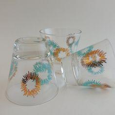 10 Atomic Starburst Shot Glasses / Midcentury Barware / Circa 1950s 1960s by VeejaysVintage on Etsy