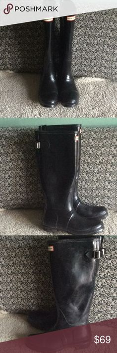 Hunter rain boots size 8 U.S Tall Hunter rain boots. PLEASE NOTE one has a small crack in it. It's at mid shin part, about 1/2 an inch long. Other than that they are in good condition. Thank you for visiting my closet. Hunter Shoes Winter & Rain Boots