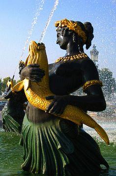 Fountain, Place de la Concorde, Paris VIII, France
