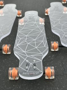 An important part of the Polynesian culture, Hawaii surfing used to be a privileged activity of the royalty in the old times. Diy Electric Skateboard, Skateboard Deck Art, Penny Skateboard, Skateboard Design, Skateboard Girl, Longboard Design, Longboard Decks, Skates, Skater Kid