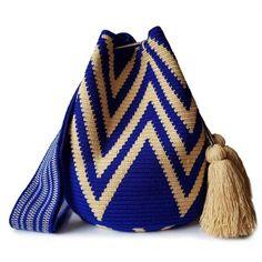 9 Tips for knitting – By Zazok Tapestry Crochet Patterns, Crochet Stitches, Knit Crochet, Mochila Crochet, Tapestry Bag, Diy Handbag, Lace Gloves, Boho Bags, Fabric Bags