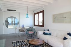 Casa unifamiliar frente al mar. House in front of the sea in S'Illot, Mallorca by Galmés i Mansergas arquitectes.