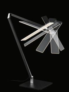 Roxxane Office lässt sich mit ihren drei fein kalibrierten Friktionsgelenken leicht in jede gewünschte Position bringen. Ihr Kopf lässt sich zudem um 270 Grad drehen. (Foto: Nimbus Group)