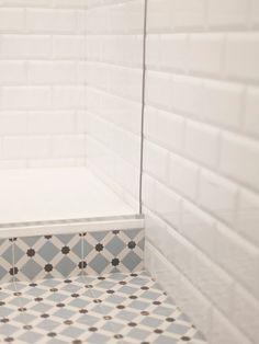 El detalle de los revestimientos del baño